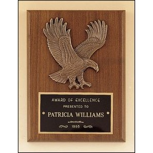 "American Walnut Plaque w/Sculptured Eagle Casting (6""x8"")"